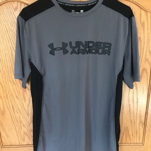 Under Armour Men's fitted heat gear workout shirt.